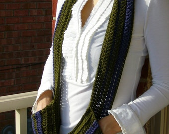 Eco-friendly Striped Scarf w/pockets in olive green and dark blue