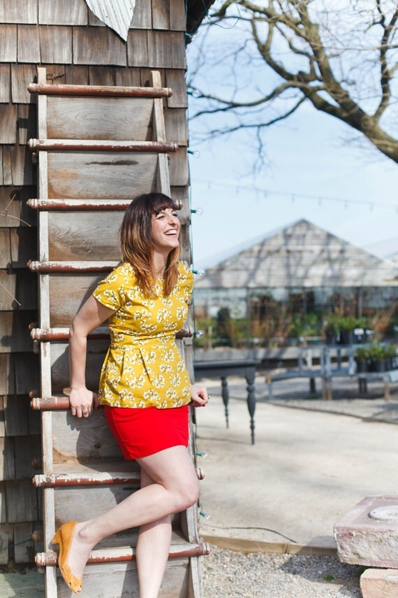 Mustard Yellow Peplum Top. Short sleeve Skirted Shirt Retro Style Mod Floral Pattern. Vintage Inspired Floral Blouse. Bright Spring Yellow
