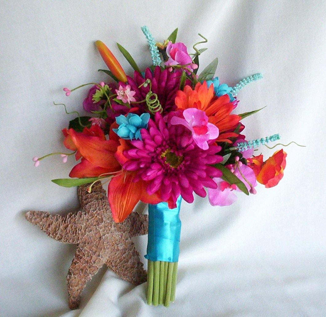 Beach Wedding Flowers: 2017 Bridal Trends Beach Wedding Bouquet Malibu Blue Silk