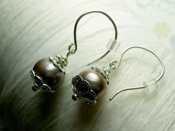 I Feel Pretty - pewter pearl earrings / grey pearl earrings / silver pearl earrings / gray pearl earrings / pearl earrings / sterling silver