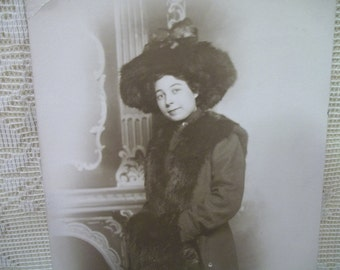 Pretty Lady with Large Furry Hat, Coat and Mink Stole - Vintage Real Photo Postcard - early 1900's