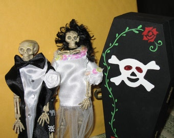 BRIDE and GRoom Skeleton with coffin PERSONALIZED for free ORIGINAL