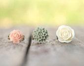 Cream Ivory Rose Flower Ring // Green Moss Flower Ring // Pale Pink Peach Rose Ring Set