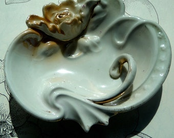 Romantic Shell Dish - Art Deco Style - Flower Ashtray - 1950s - Shabby Chic - Pearlized - Victorian Style - Recycled - Eco Friendly - UNIQUE
