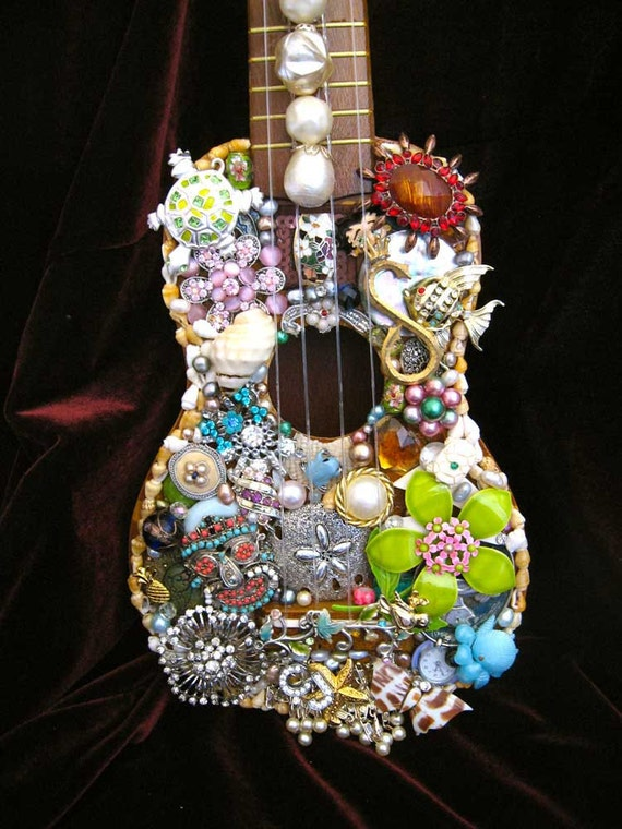 Vintage Jewelry Hawaiian Ukulele Decorative By