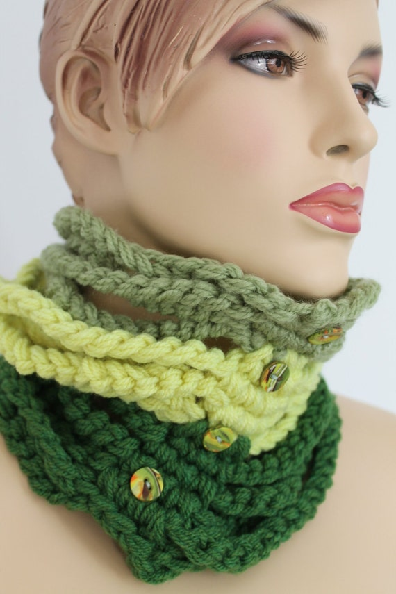 20% OFF Chunky Knit  Crochet Circle  Cowl Scarf  - Neck Warmer - Winter Accessories - Holiday Accessories