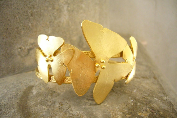 Flower bracelet, Gold flower bracelet, Statement bracelet, Multi Flower Bracelet, Modern bracelet, wedding bracelet, Gold cuff bracelet