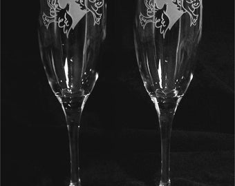 Heart and Doves Design Personalized Wedding Toasting Glasses
