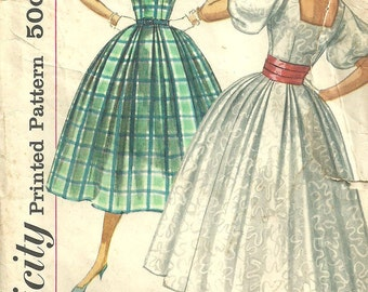 Vintage 50s Sewing Pattern from Simplicity 2132 //  Dress Size 14 Bust 34