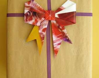 Upcycled Paper Gift Bows - Colorful Unique Gift Wrap