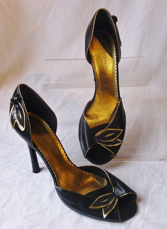 Vintage 1990s BCBGIrls 1940's Style Black and Gold Stileto Heel Shoes