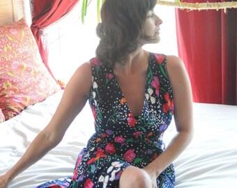 SALE FLORAL WRAP Dress / Vintage Day Dress / Picnic Garden Party Jumper