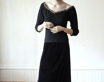 SALE BLACK VELVET Skirt Mid Length Vintage Skirt