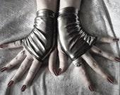 Diesel Danni Wet Look Fingerless Gloves - Gunmetal Silver Grey - Gothic Vampire Cyber Visual Noir Steampunk Rivet Head Burlesque Goth Shiny