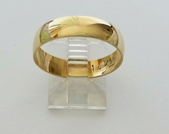 Wedding band men gold wedding ring women's wedding ring with polished finish traditional women