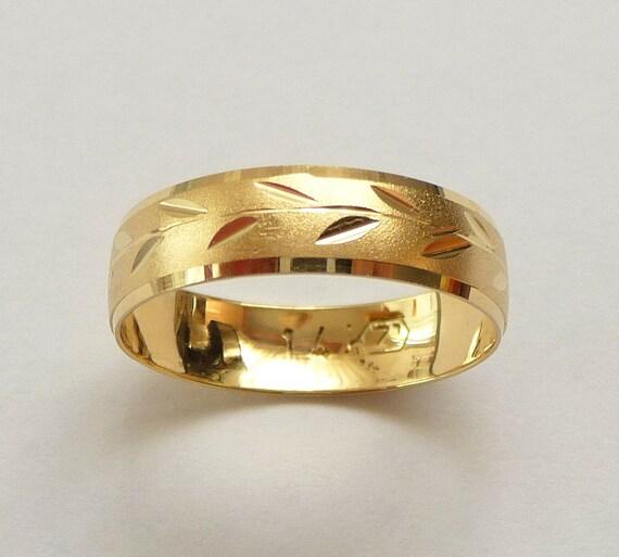 Wedding ring women men yellow gold unique design spring