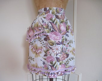 vintage 1940s Sage and Lilac Floral APRON with pompoms and glamour