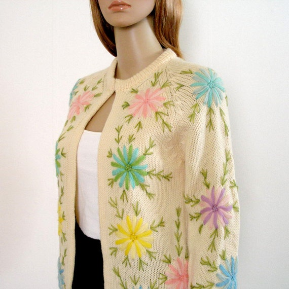 Vintage 1960s Sweater Cream Floral Pastel Embroidery Cardigan / Extra Small to S