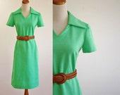 Vintage 70s Dress -- Lime Green Shift Dress -- 1970s Collared Dress -- Medium