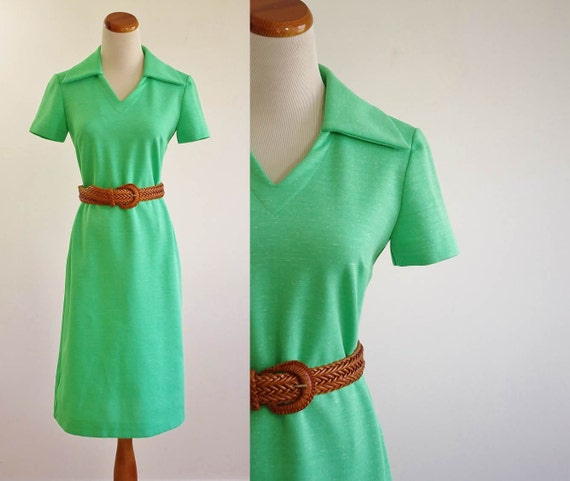 Vintage 70s Dress -- Lime Green Shift Dress -- 1970s Collared Dress -- Medium