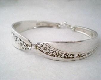 Spoon Bracelet, FREE ENGRAVING, Custom Vintage Silverware Jewelry, Vintage Bracelet, Shabby Chic, Vintage Wedding Bridesmaid STARLIGHT 1953