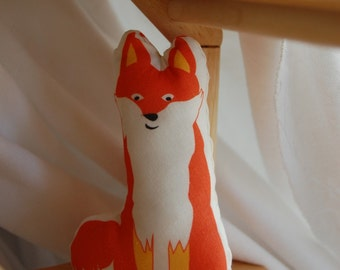 ORGANIC FABRIC DIY Sew-Your-Own Fox Stuffed Animal/Mini Pillow (Fiery Foxie Fox with accessory picnic basket)