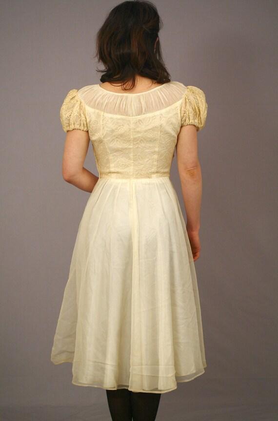 1950s Lace Dress / Ivory Wedding Dress / M