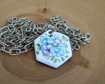 Vintage enameled necklace hand painted flowers Free shipping to USA