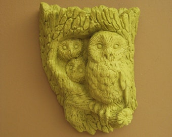 Retro Owl Planter / Wall Pocket in New Avocado / Avocado Green Owl Decor