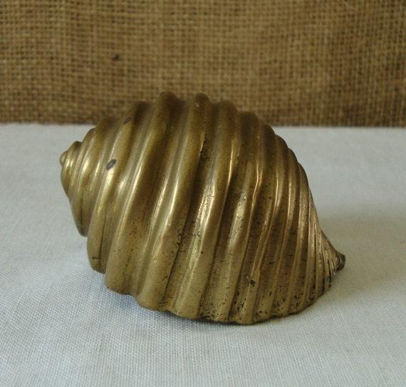 VINTAGE Brass Scotch Bonnet Seashell Brass Made India Cast Brass Seashell Verdigris Brass Sea Shell Bonnet Beach House Office Bedroom Sea