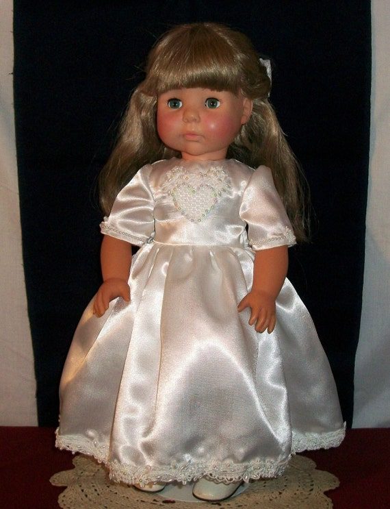 Darling Holy Communition Dress for 18 inch dolls   Clearance