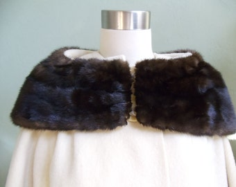 "Vintage Cream Coat with Fur Collar Bust 45"" Waist 47"""
