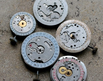 Vintage watch movements -- date rings -- set of 5