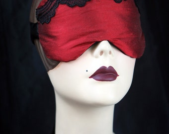 SAMPLE SALE - Sleep Mask in red dupioni venise lace - Games of thrones inspired by Love Me Sugar HH