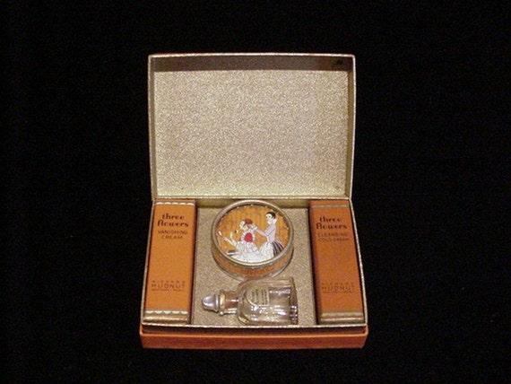 1920's Travel Box Richard Hudnut Perfume Box Three Flowers Box Travelette Box Powder Box Compact Box Art Deco Box