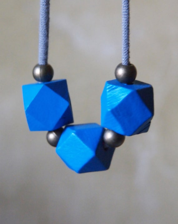 minimalist cobalt sapphire royal blue necklace // geometric // modern // polygon // wood
