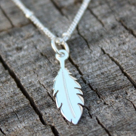 Feather Necklace - Sterling Silver Feather Pendant . Wedding Party Gift Ideas for Her . Bridesmaids Necklaces