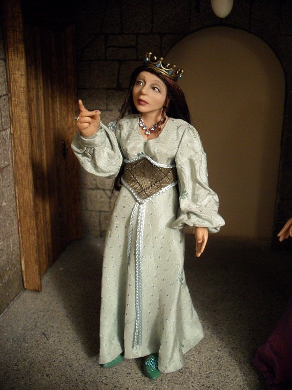 SALE!!!!!!!!                      Dollhouse Miniature Fairytale Princess.