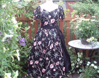 Vintage Silk Prom Occasion Dress Gown Floral embroidery sash full skirt UK 12 US 10 EU 38