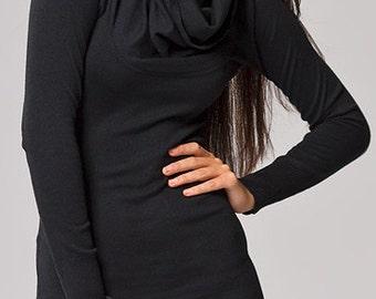 Black tunic with big collar
