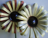 Recycled Soda Cans / Painted Aluminum All-Season Garden/Yard Flower Stake Kits Spring Mother's Day
