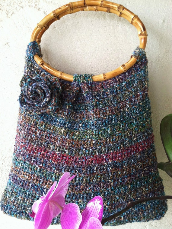 CROCHET PATTERN,Cinnamon Bay,Handbag,purse,bamboo handles,pleated,crochet flower,resort,women,easy to crochet, summer,blue,stripes,bag