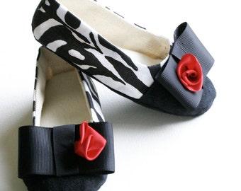 Zebra Little Girl Shoe, Toddler Ballet Slipper, Animal Print Baby Shoe, Black, White, Ballet Flat, Dance, Crib shoe, Baby Souls Baby Shoe