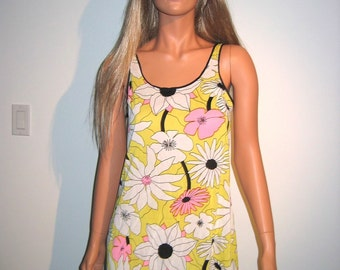 Vintage 1960's Nightgown.  Flower Power, Mod, hippie Woodstock.  All Nylon, Gaymode, size 32.