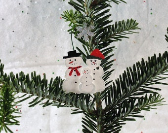wood snowman family ornament, snowflake,christmas, holiday, sparkle, hand painted, decoration