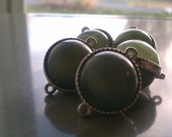 SALE-Ivy Green Colored Connector/Beads 5pcs