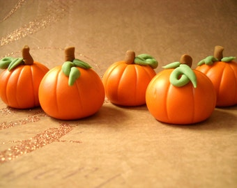 24 Harvestime Fondant Pumpkins for Cakes and Cupcakes