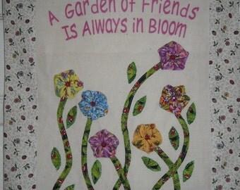 My Garden of Friends - Quilt wall hanging PDF pattern