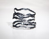 Hammered bracelet,Fairmined oxidised silver,Black silver bracelet,Fair trade,Ethicaly right design jewelry,Contemporary,Nouvelles vagues