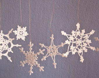 Crochet  Snowflakes, Crochet  Christmas Snowflakes - holiday decor- Set of 6 Lacy Snowflakes Home decor